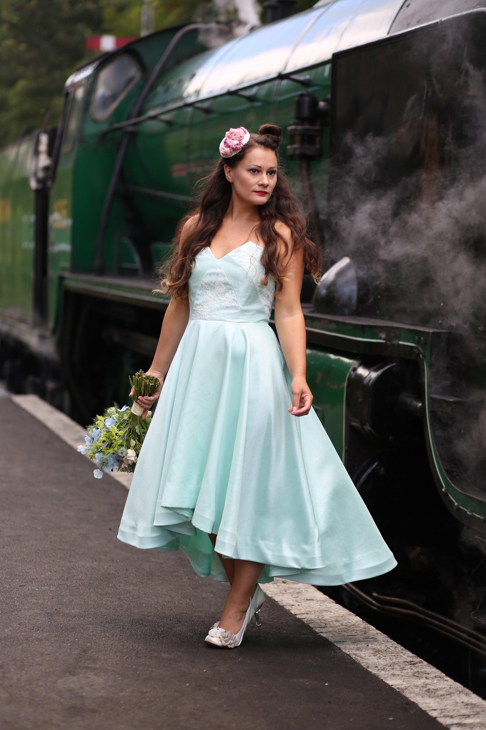 high low vintage wedding dress